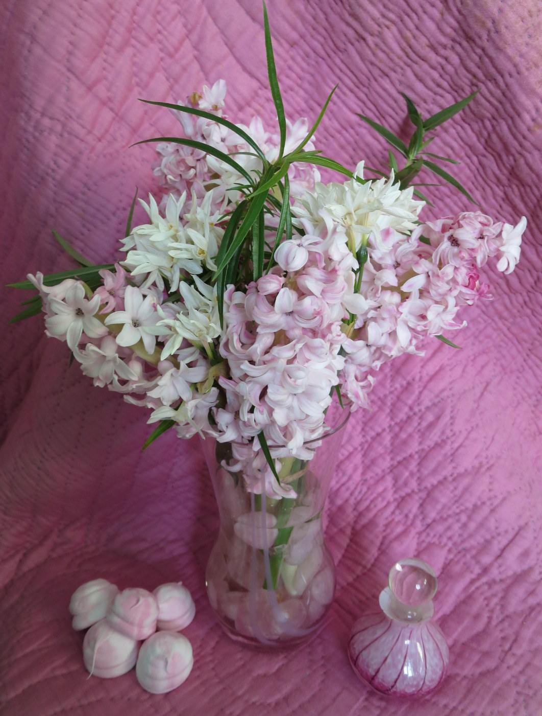 In a Vase on Monday: Marshmallow Fluff | Rambling in the Garden